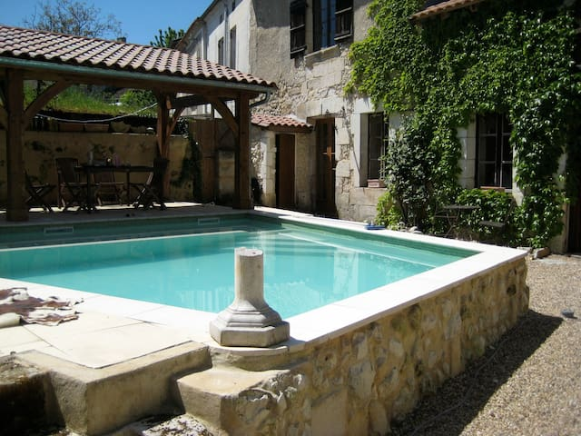 Lovely Centre-ville 2 bed with pool - Tocane-Saint-Apre