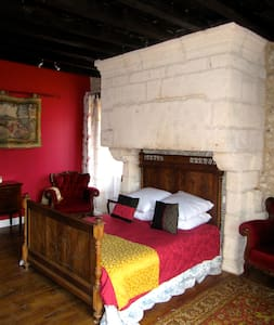 Lovely Centre-ville 2 bed with pool - Tocane-Saint-Apre - House - 2
