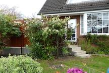 Großes Haus mit Garten am Stadtrand
