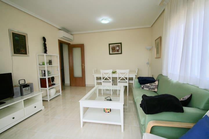 Sunny penthouse, 300 m. to beach, parking, wifi. - Dénia - Byt