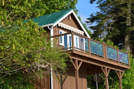 Mill Bay Shores Bed and Breakfast - Mill Bay - Kabin