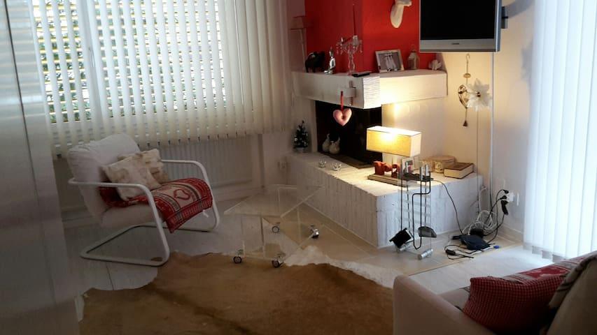 Studio bei den Bergbahnen Laax - Laax - Apartmen