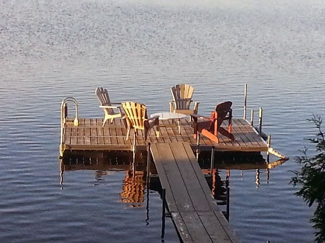 Waterfront cabin with great views. - Restoule - Cabana