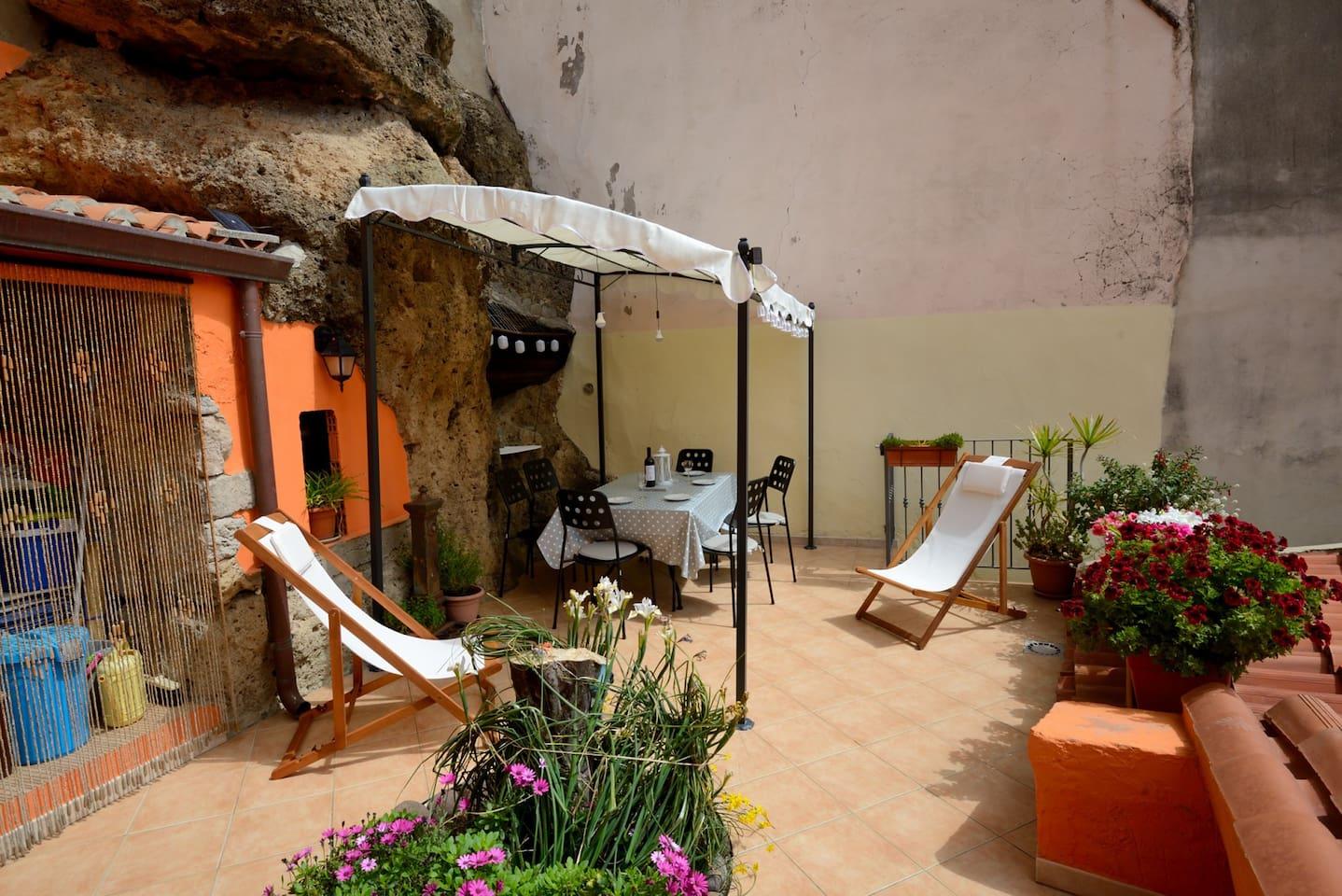 Lemon Tree Terrace Apartment, Bosa - Apartments for Rent in Bosa ...