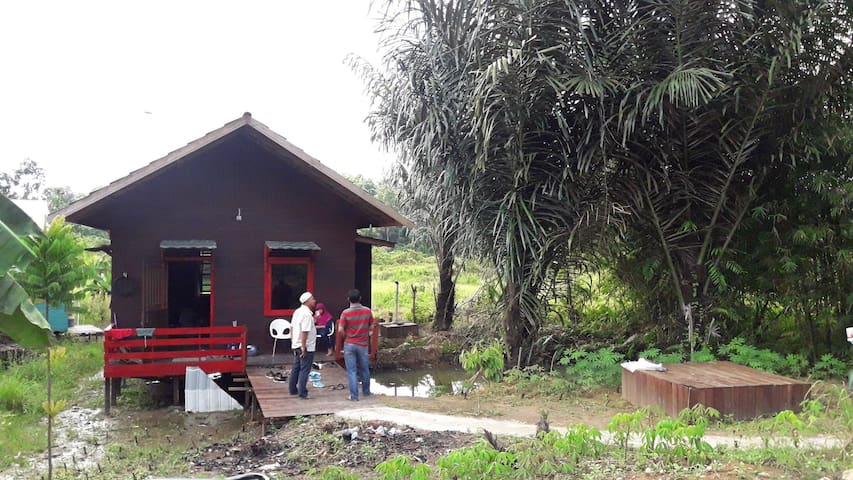 Ulin House, 10 minute to Tenggarong Bridge