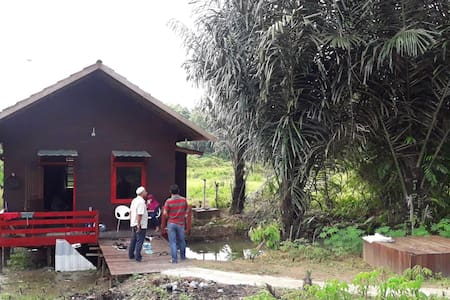 Ulin House, 10 minute to Tenggarong Bridge