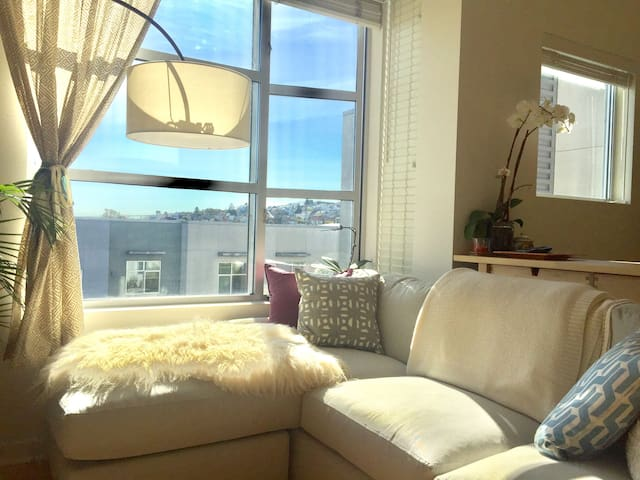 Lightfilled Luxury Condo on the Hill - San Francisco - Apartemen