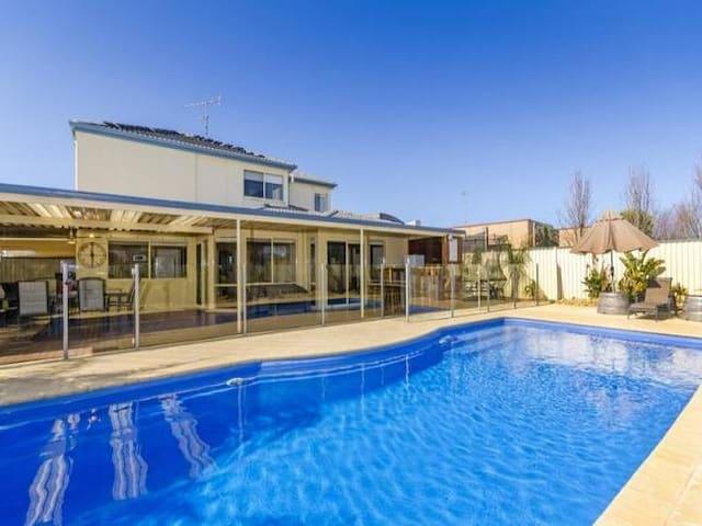 Arlington Beach Home - Ocean Grove - Huis