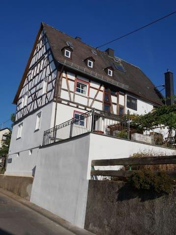 Rustikale alte Fachwerk Burg in Winden