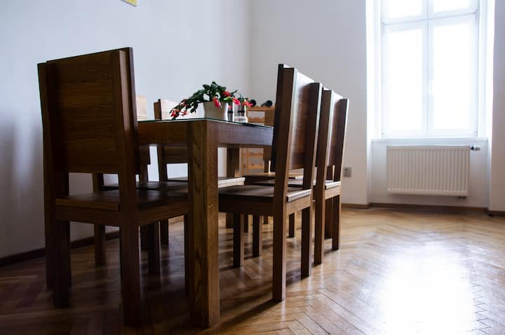 Tiny Double/single bedroom in central Brno
