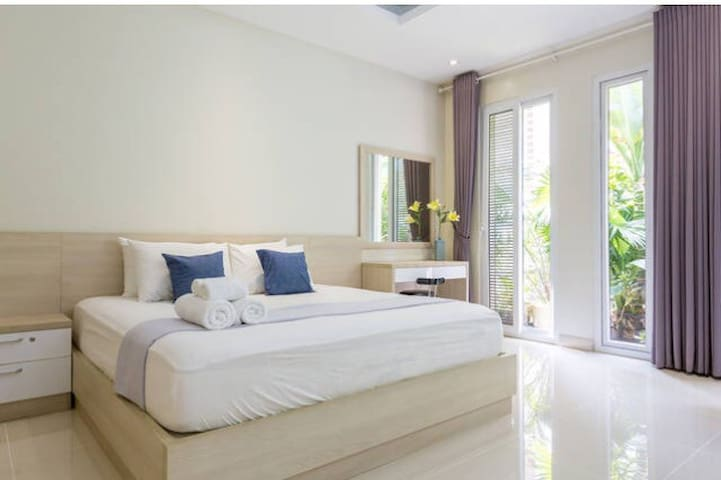 ★ Master Suite in City Center near US Embassy - Ho-Chi-Minh-Stadt