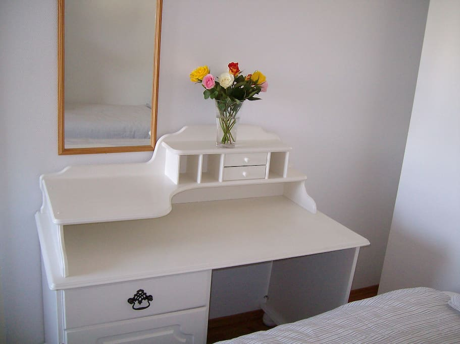 Dressing table or work space