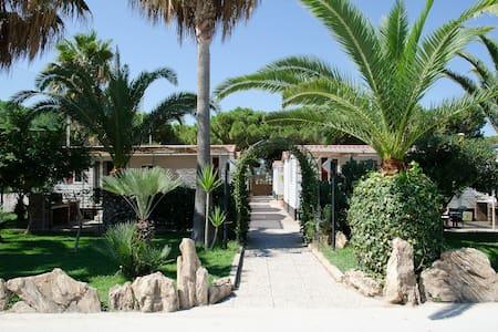 Bungalow climatizzati con piscina - Ribera