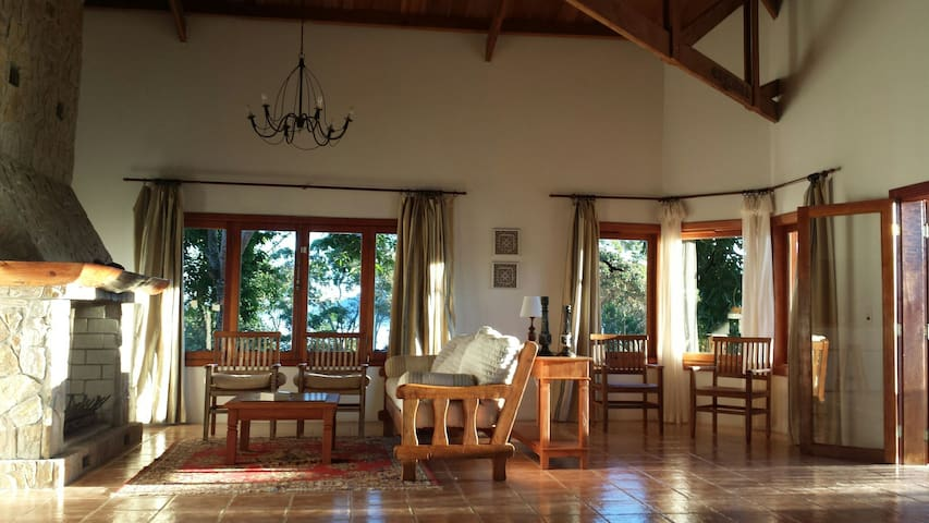 Magnolia House - Santo Antônio do Pinhal - Hus