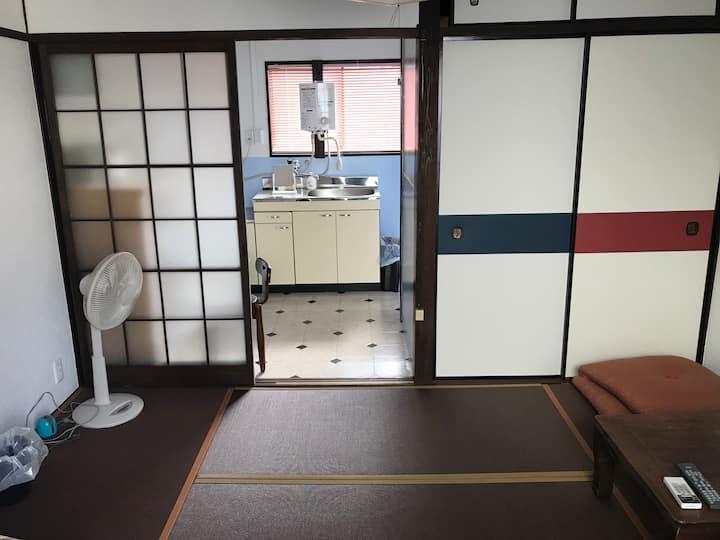 마쓰야마 시내 중심가의 아파트. 도고 온천도 시내 전철로 20 분입니다.