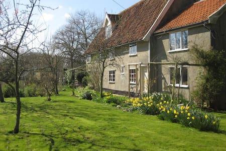 Church Cottage, Saxtead, Suffolk - Suffolk