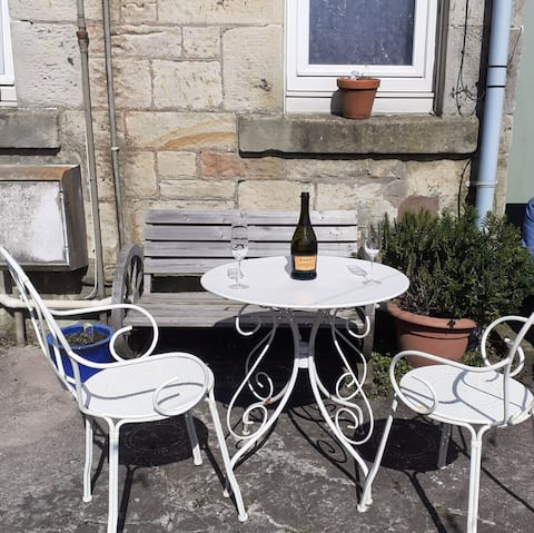 Charming Seaside Ground Floor Flat in Largs Centre
