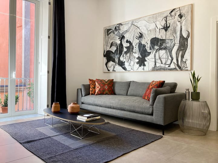 Design flat next to Via Toledo up to 4 people