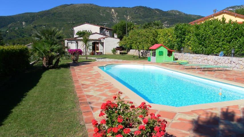 Villa provençale avec piscine - Contes
