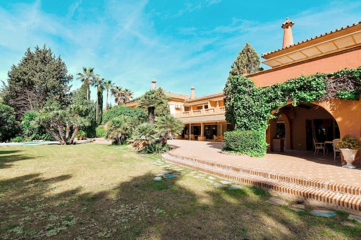 9 Bedroom PALACE At Tropical Gardens, Marbella ✔