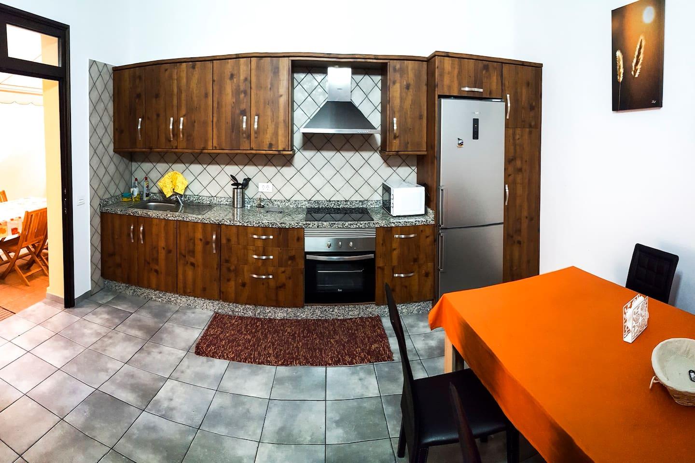 cocina con acceso directo a la terraza