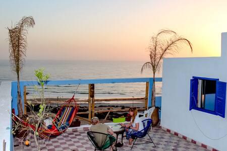 Click Surf Maroc (Bed &Breakfast Villa)
