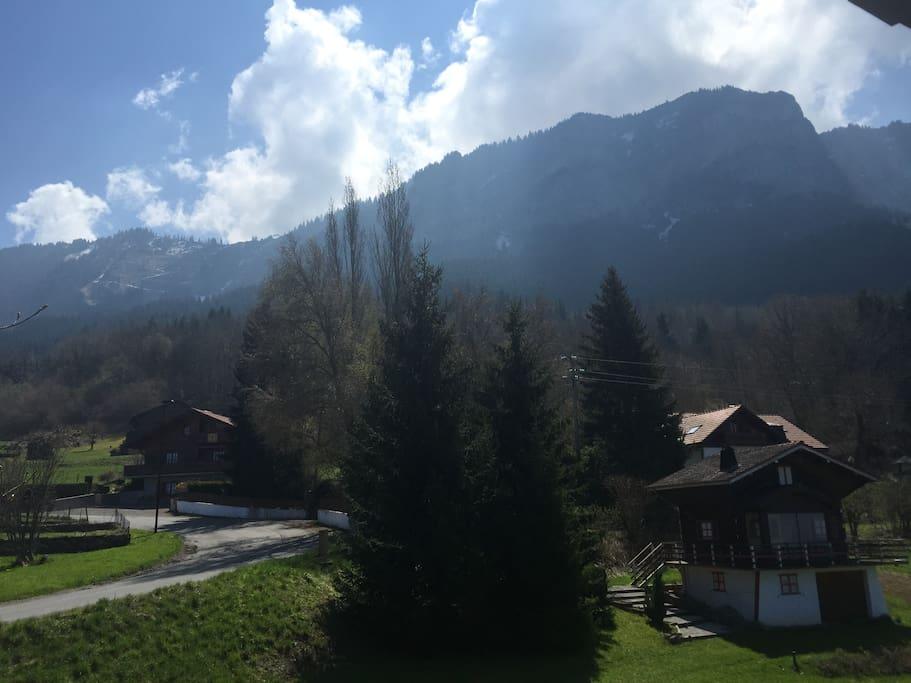 vue sur montagne  balcon du haut