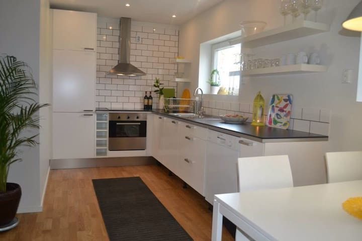 Nice apartment in a calm area. - Jönköping - Квартира