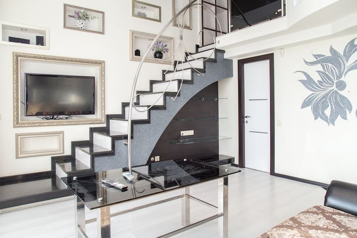Luxurious DUPLEX, perfect location - Chişinău - Apartamento