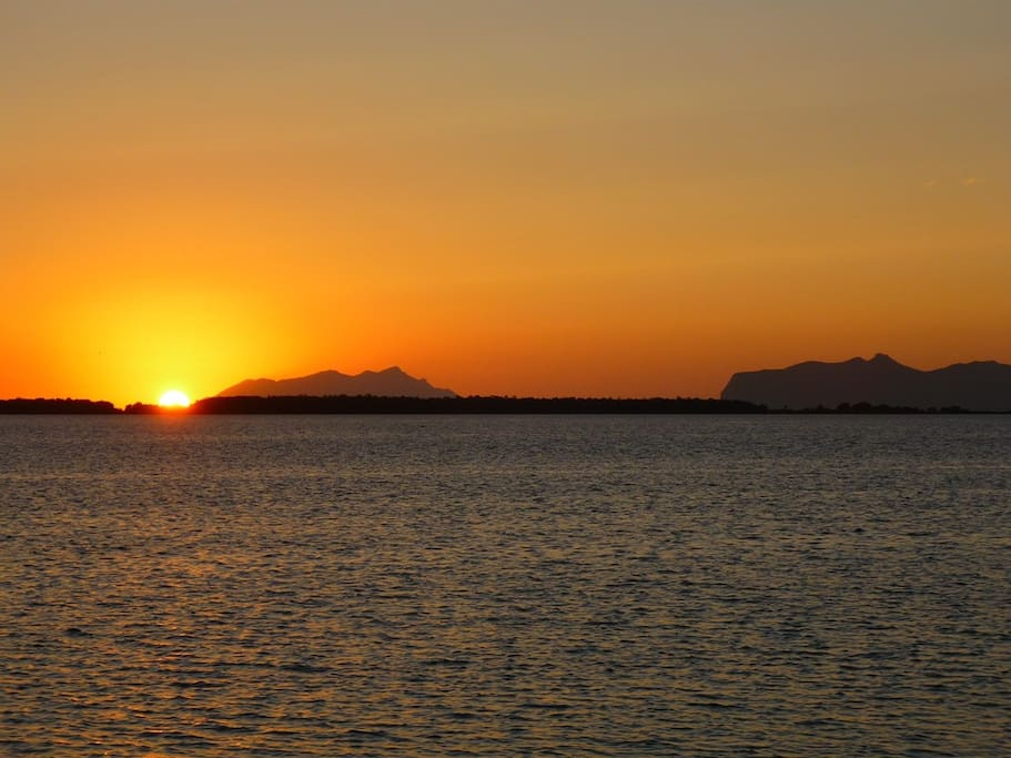 Tramonto sulla Riserva dello Stagnone (vista Isole Egadi)