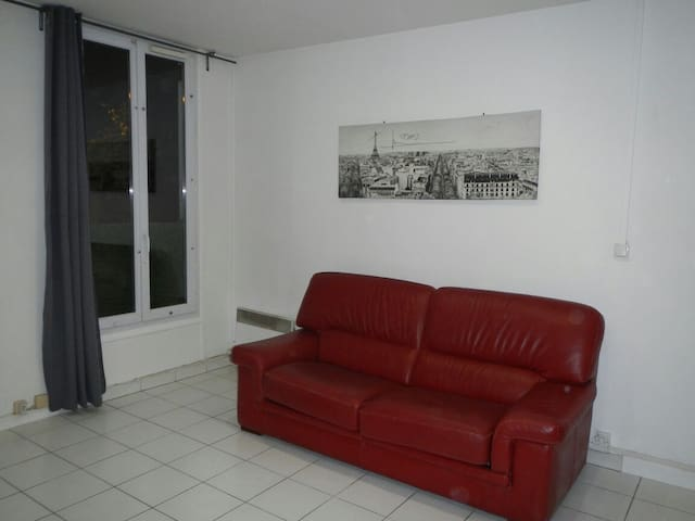 Independent studio 5mnts RerBagneux - Bagneux - Daire