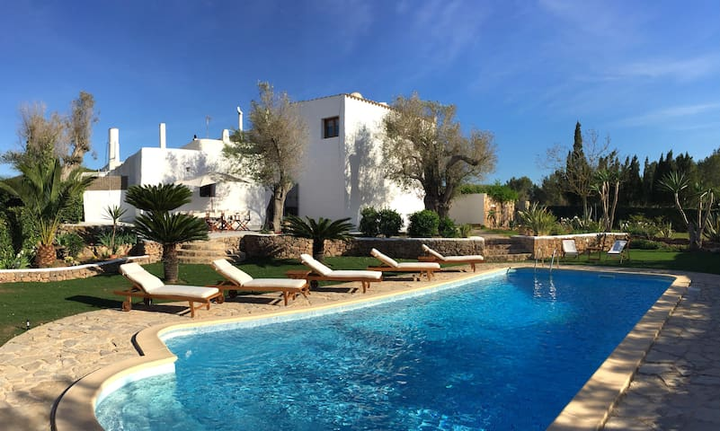 Typical Ibicencan House with Pool - Ibiza - Huis