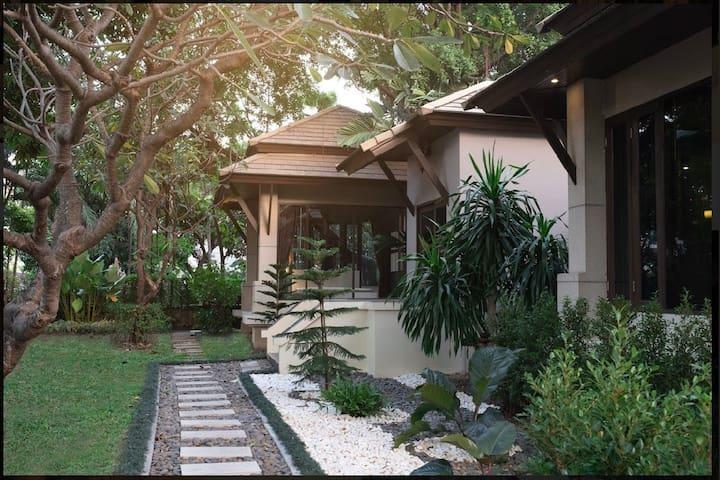 五卧室露天泳池花园别墅