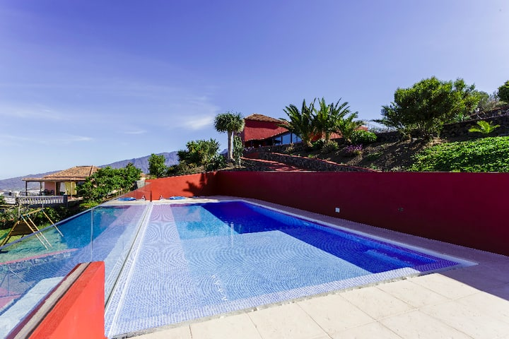 Ocean view panorama Villa with heated pool