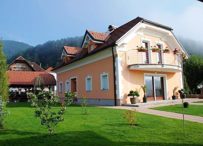 Villa Franca, Planina Postojna - Planina - Villa