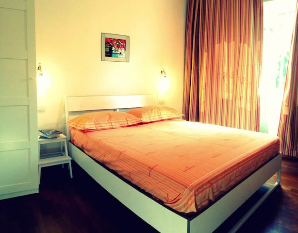 Cosy double Room Testaccio and Colosseo