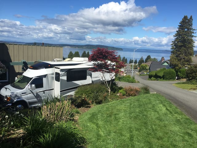 RV for 2015 US Open - Chambers Bay - Steilacoom - Camper