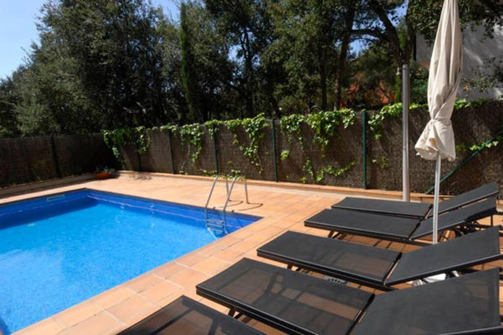 Maison avec piscine priv maisons louer calella de - Maison avec piscine espagne ...