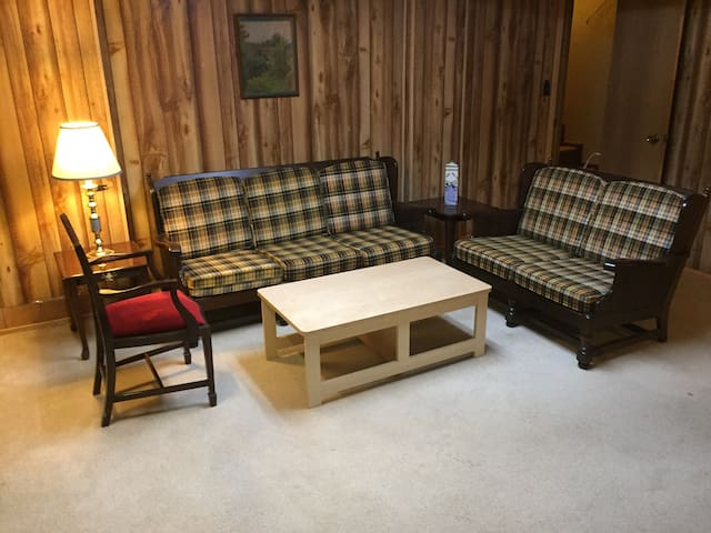 Comfy Niche - perfect getaway in a great location.