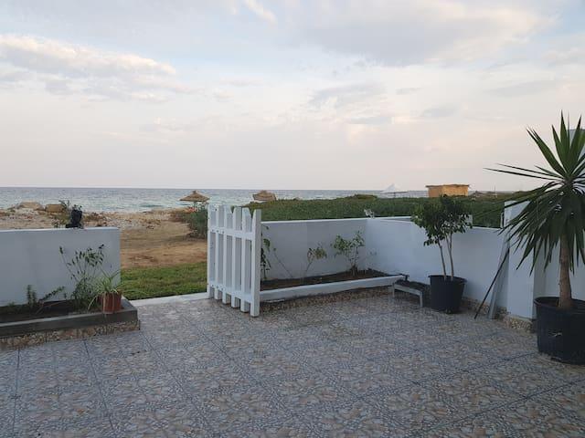 Logement Pied dans l'eau a Kélibia