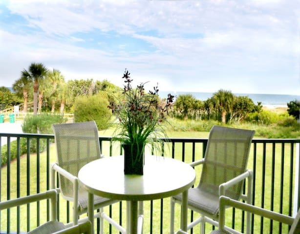 Gorgeous DIRECT Oceanfront Condo - Cape Canaveral - Appartamento