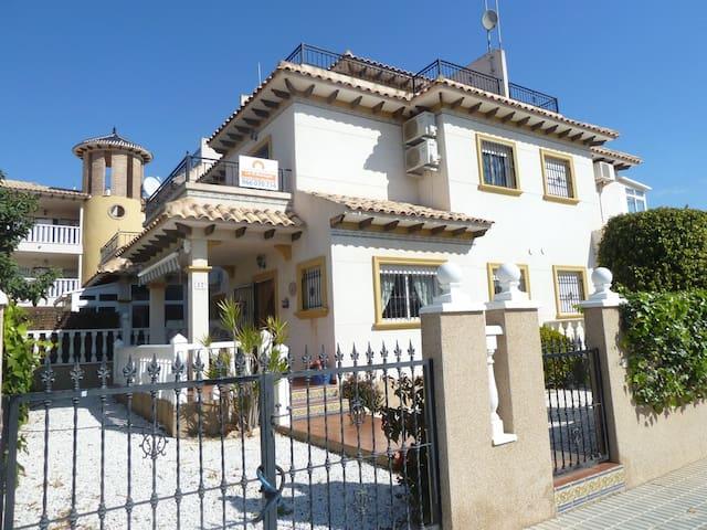 Quad house in La Zenia, Orihuela Costa