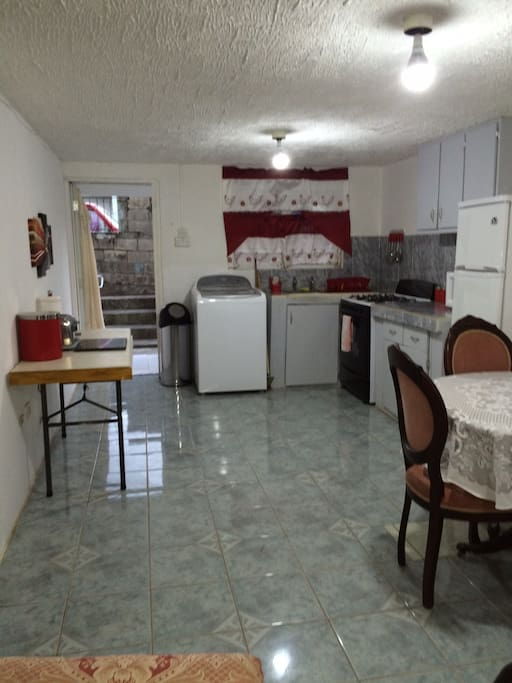 Spacious up to date kitchen with all amenities