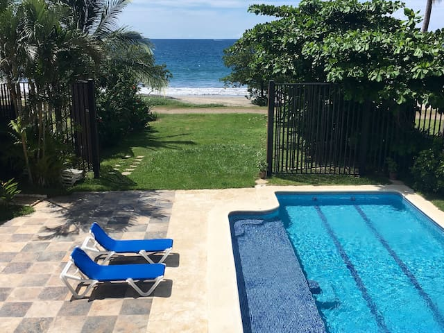 Beachfront 3 bdrm in Playa Hermosa!