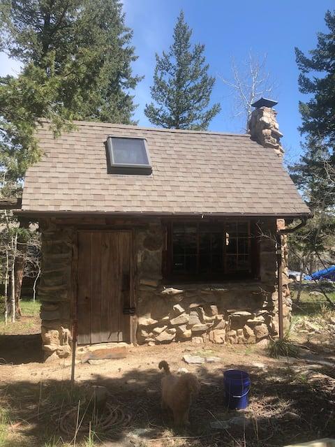 Unique Tiny House near Gross Dam Reservoir(0.5 mi)
