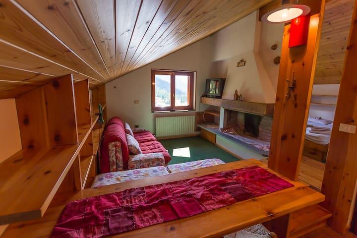Cosy attic in Monterosa ski