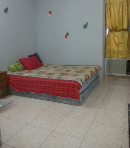 Safe & Cheap AC room in Gulshan - Dhaka - Bed & Breakfast