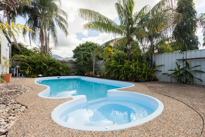 Suzies Place - Comfortable Home - Mooroobool