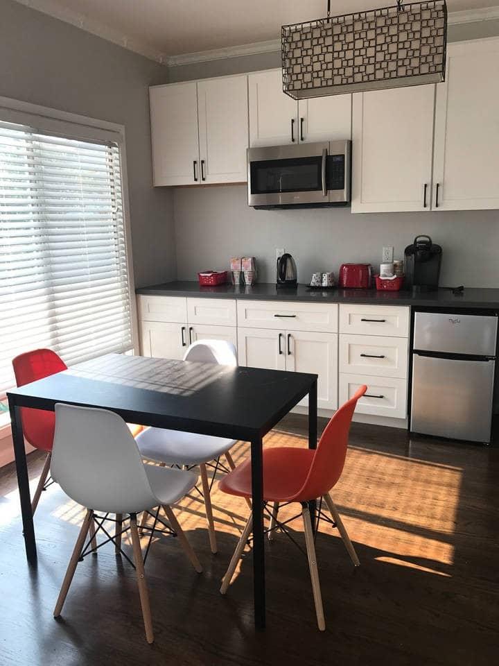 2 bedrooms/1bath/ kitchenette (Yellow)