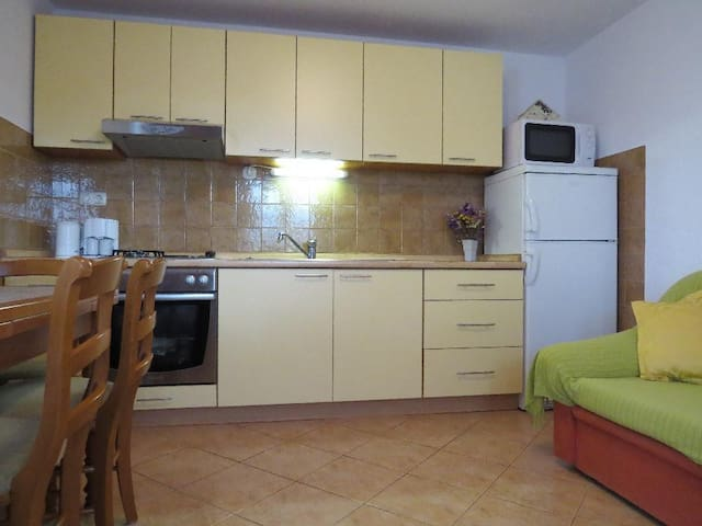 Apartments Buljan / One bedroom A1 - Arbanija - Departamento